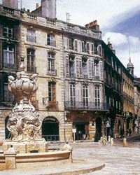 Embellissement de Bordeaux, France
